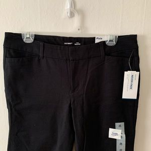 Old Navy Ankle Length Pixie Pant - NWT